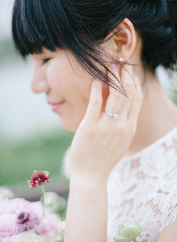 Film-wedding-and-editorial-photographer-mark-hong-NTU-engagement-0001