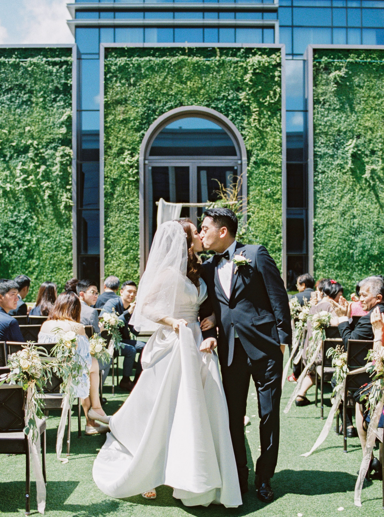 kiss-戶外婚禮