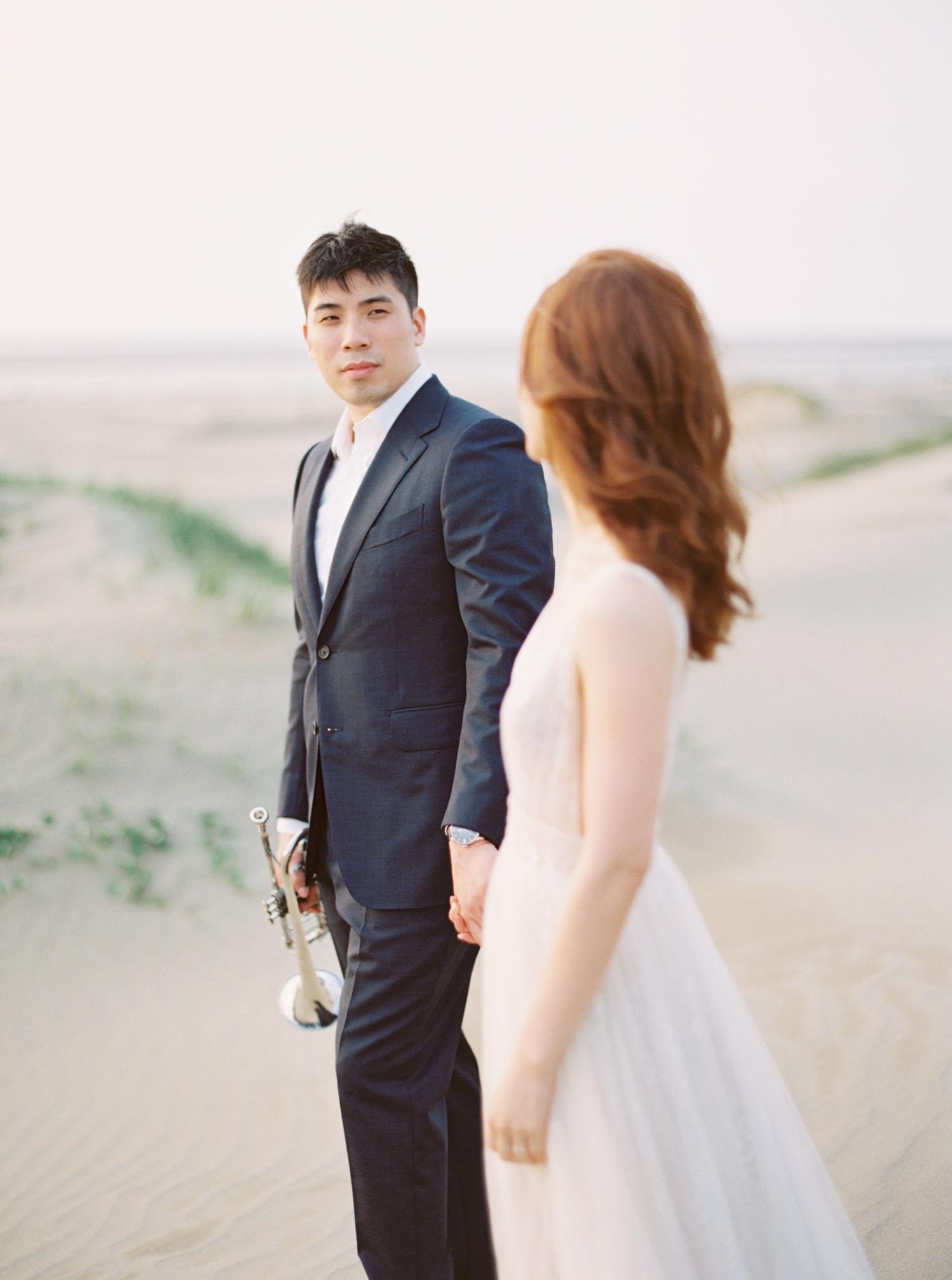 Fine-Art-沙漠-海灘-底片-婚紗-逆光